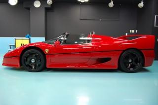 フェラーリF50ガラスコーティング画像