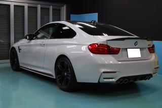 BMWM4ガラスコーティング画像