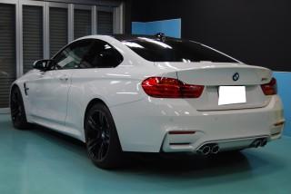 BMWM4クーペガラスコーティング画像